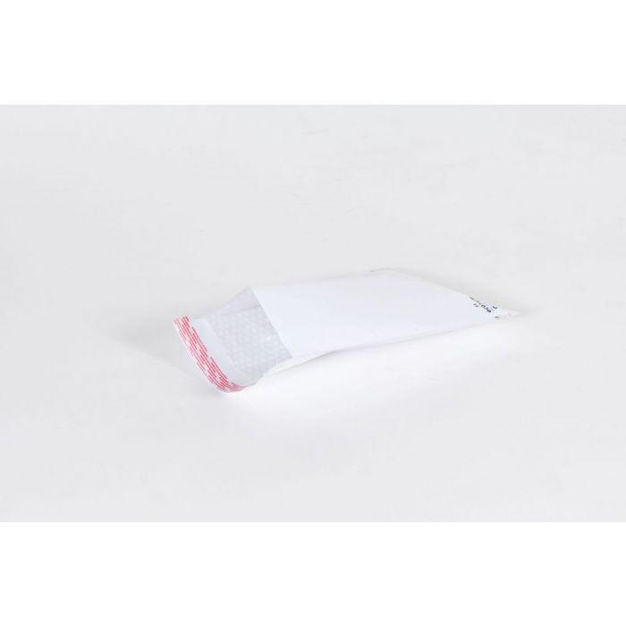 "#000 - 4 x 8"" White Self-Seal Bubble Mailer (500/Case)"